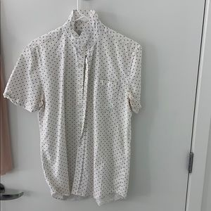 Top man shortsleeve medium button down